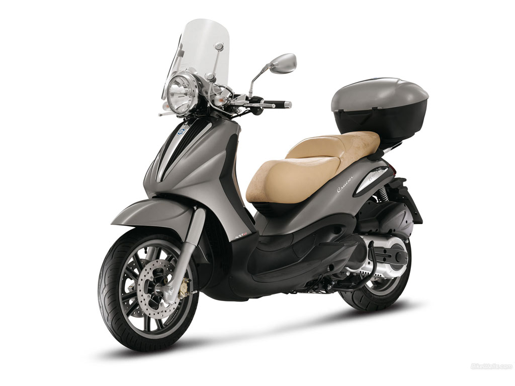 piaggio beverly 500 cruiser avis et valuation du scooter piaggio beverly 500 cruiser. Black Bedroom Furniture Sets. Home Design Ideas