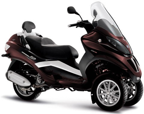piaggio mp3 250 lt avis et valuation du scooter piaggio mp3 250 lt. Black Bedroom Furniture Sets. Home Design Ideas