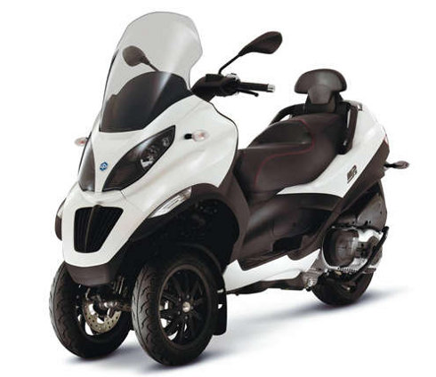 piaggio mp3 300 lt sport avis et valuation du scooter piaggio mp3 300 lt sport. Black Bedroom Furniture Sets. Home Design Ideas